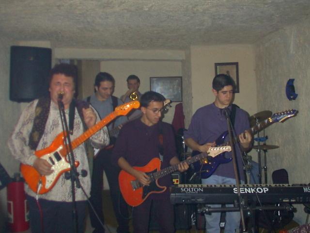 performance Blues Bar (Awesome) 4